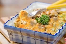 Картинки по запросу Как приготовить пельмени, запеченные в духовке с овощами