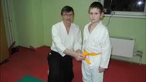 Как завязать пояс на <b>кимоно айкидо</b>. - YouTube