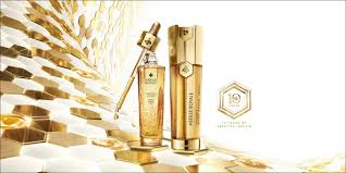 <b>Abeille Royale</b> Age-Defying Care - <b>Guerlain</b>
