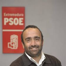 Miguel Ángel Morales estuvo en Garrovillas de Alconétar este martes para explicar los recortes del PP en el presupuesto de Extremadura. - Miguel-%25C3%2581ngel-Morales