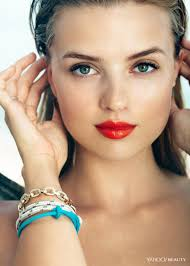 <b>Long Live Summer</b>: The Power of a Coral Lip