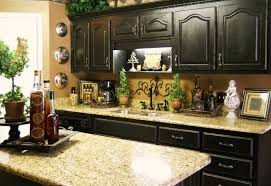 dishy kitchen counter decorating ideas