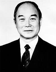 Young Hoon Kang. Young Hoon Kang One of USC's most distinguished Korean alumni, Yong Hoon Kang has had an illustrious career as a military, academic, ... - portraitkang_ReSize