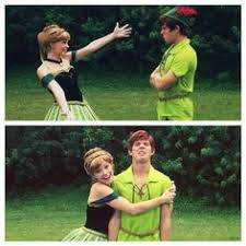 <b>Elsa and Anna cosplay</b>