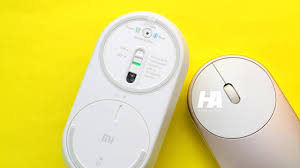 <b>Xiaomi Mi Portable</b> Mouse Review - with Dual Connectivity - YouTube