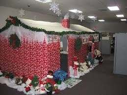 10 tips for decorating your cubicle for the holiday season elegant decorating office cubicle walls