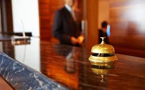 مسئول الخدمات فى الفنادق
