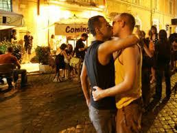 Aggressione a omosessuali