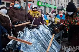 Картинки по запросу кастрюля на голове украина