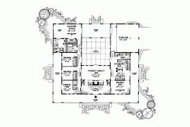 U shaped house plans   courtyard   more intimacyU shaped house plans   courtyard proiecte de casa in forma de U