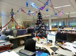 office decorating ideas pinterest 1000 images office decorations for christmas creative inspirational work place christmas decorations appealing office decor themes engaging