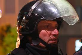 Начались столкновения <b>сербов</b> с полицией <b>Косово</b>: Политика ...