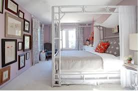 colours for a bedroom: benjamin moore french lilac is a romantic paint colour for a bedroom or bathroom soft