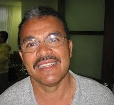 (Foto de Jorge Hoyos, presidente de la Danza del Sol desde 1989). —. jorge-hoyos1 BARRA DANZA DEL SOL 1972 (Junio 11 – 2009, 37 AÑOS]Posteriormente el día ... - jorge-hoyos1