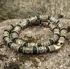Купить необычные браслеты массивного дизайна можно купить ...