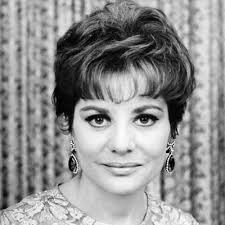 Barbara Walters - Transformation - Beauty. Tom Cafrey/Globe Photos - 1967-barbara-walters-400
