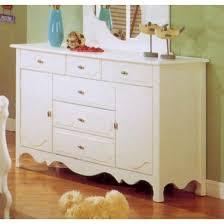 white dresser bedroom