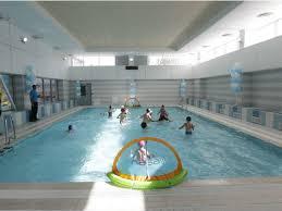 Под Челнами шестеро детей отравились хлором в бассейне ...