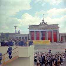 the cold war in berlin john f kennedy presidential library museum let them come to berlin