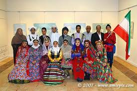 نتیجه تصویری برای لباسهای محلی گیلان