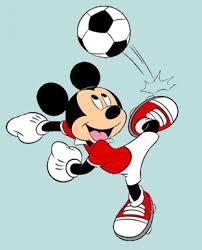 Resultado de imagen de dibujo de anciano jugando al futbol