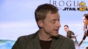 alan tudyk riz ahmed rogue one a star wars story interview alan tudyk riz ahmed rogue one a star wars story interview