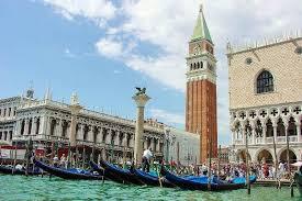 B&B <b>Aqua</b> B Venice | Luxury Bed and Breakfast <b>in</b> downtown Venice ...