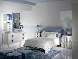 Camera Da Letto Grigio Bianco : Come arredare la camera da letto di una ragazza