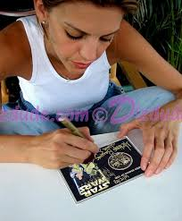 Amy Allen Signing the Disney Star Wars Weekends 2003 Triple Autographed Gold Coin ~ She signed ... - sww03coingoldoverlayamyallensign3
