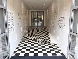 Photos of Mind-Boggling <b>Optical Illusions</b> and How They Work