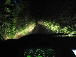 Resultado de imagen de carretera angosta de noche