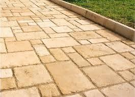 <b>Декоративная</b> тротуарная <b>плитка White</b> Hills – правильный выбор