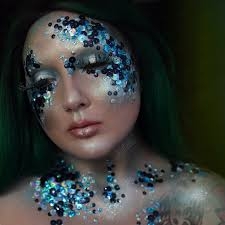 halloween makeup tutorials for 2016 her campus miss hanz is hands down the queen of halloween tutorials this year she has been doing 31 days of halloween makeup tutorials uploading a new one to