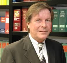 <b>Manfred Junge</b> ist Jahrgang 1944, Vater zweier Kinder und wurde 1972 zum <b>...</b> - Junge_Kronberg_sen