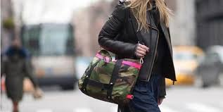 This unisex <b>bag</b> that can <b>transform</b> from a work <b>tote</b> to a <b>backpack</b> to ...