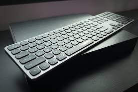 <b>Satechi Aluminum</b> Bluetooth Keyboard with Numeric Keypad review ...