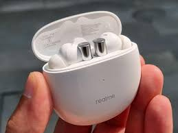 <b>Realme Buds Air</b> 2 review: Solid ANC earbuds made perfect by add ...