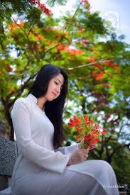 Image result for áo dài trắng nữ sinh trắng siêu mỏng