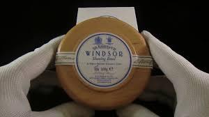 <b>Твердое мыло для бритья</b> в чаше из бука D. R. Harris, Windsor ...