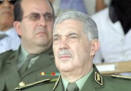 Le commandant de la Gendarmerie nationale, le général-major Ahmed Boustila, s'est entretenu vendredi avec le vice-président du Conseil des ministres libyen ... - d-algerie-libye-le-general-major-boustila-sentretient-avec-le-vice-president-du-conseil-des-ministres-libyen-charge-du-ministere-de-linterieur-9cd73