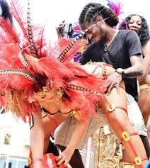 Resultado de imagem para carnaval morena gostosa