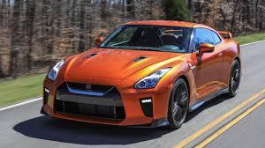Exclusive First Look: 2017 Nissan <b>GT</b>-<b>R</b> – <b>Godzilla</b> Gets a Big ...