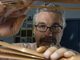 Luis Estrada Rodríguez (17 de enero de 1962; Ciudad de México, México) es un director, guionista, escritor y productor de cine mexicano. - Luis_Estrada