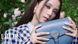 Jisoo wears Dior <b>Autumn</b>-<b>Winter 2020</b>-2021 - YouTube