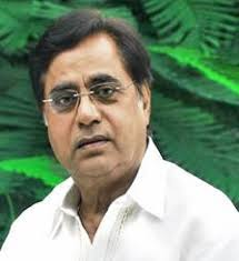 ... 'Kaagaz ki kashti', ghazal king Jagit Singh infused a new life in the dying genre of music in the seventies and carved a niche for himself in Bollywood. - jagjit-singh-portrait-082007-1