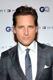 Peter-Facinelli-wearing-Tommy-Hilfiger-Suit-GQ-celebrate- - Peter-Facinelli-wearing-Tommy-Hilfiger-Suit-GQ-celebrate-Men-of-New-York-5th-Avenue-Store-2