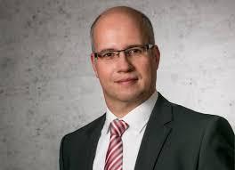 Netzwerk-Hersteller D-Link verstärkt sein Management Team: <b>Stefan Buchberger</b> <b>...</b> - bde22c739e