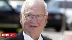 Lee Iacocca, father of the <b>Ford Mustang</b>, dies aged 94 - BBC News