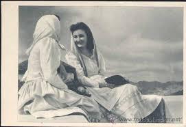 Resultado de imaxes para traje típico mujeres canarias