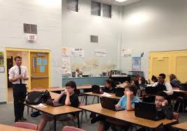 stateimpact florida putting education reform to the test tom rompella leads the introduction to information technology class at keys collegiate academy